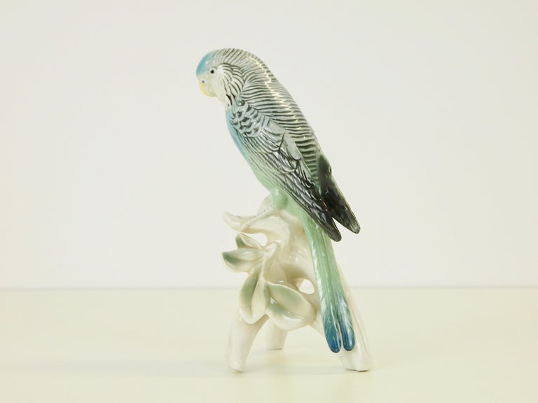 Midcentury Porcelain Figurine Depicting a Parrot by Porzellanfabrik Karl Ens For Sale 1