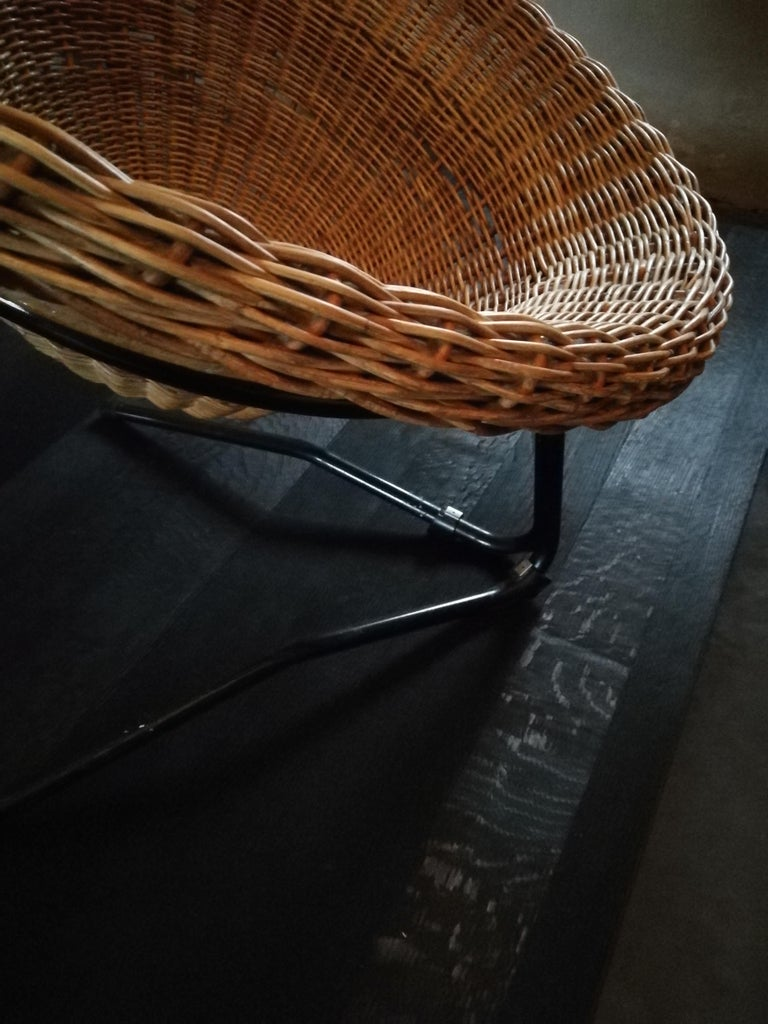 Midcentury Rattan and Black Original Lounge Chair For Sale 1