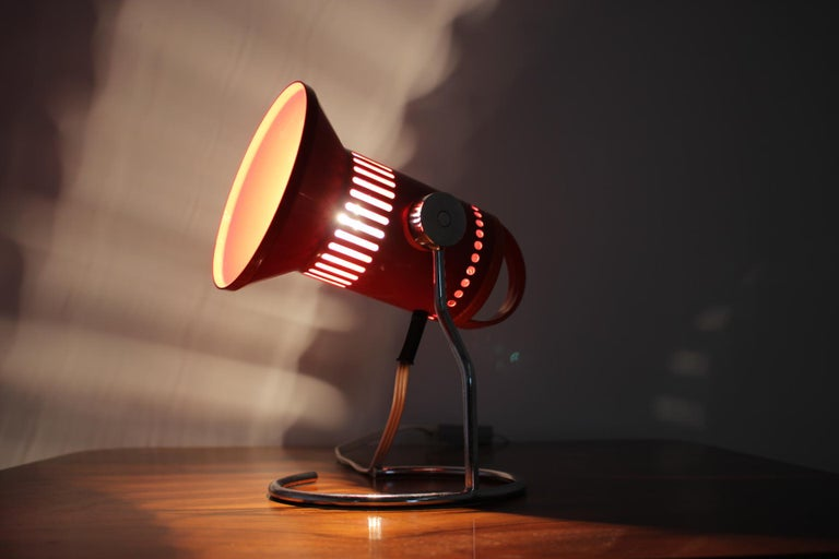 Midcentury Red Adjustable Table Lamp, 1980s For Sale 1