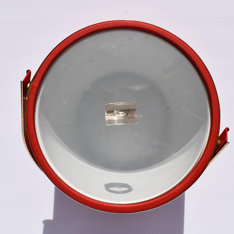 Midcentury Red Ice Bucket with Lucite Acrylic Top with Handle and Brass Details In Good Condition For Sale In Oklahoma City, OK