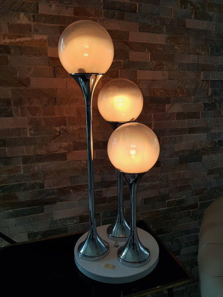 Midcentury Reggiani Table Lamp, Italy, 1965 For Sale 9