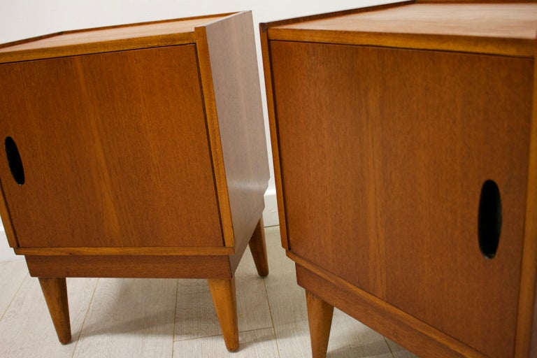 Midcentury Retro Teak Austinsuite Bedside Cabinet Tables, Set of 2 For Sale 1