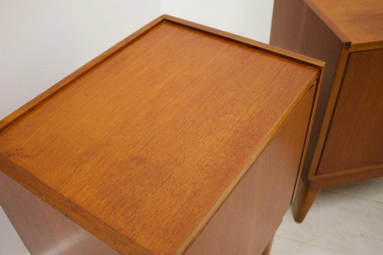 Midcentury Retro Teak Austinsuite Bedside Cabinet Tables, Set of 2 For Sale 3