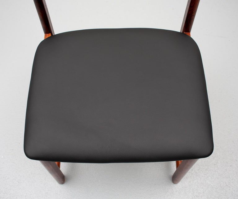 Mid Century wooden Dining Chairs Black Leather For Sale 6