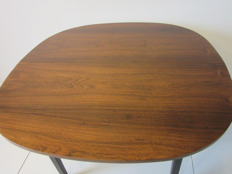 Mid Century Rosewood Dining Table in the Style of Directional  For Sale 4