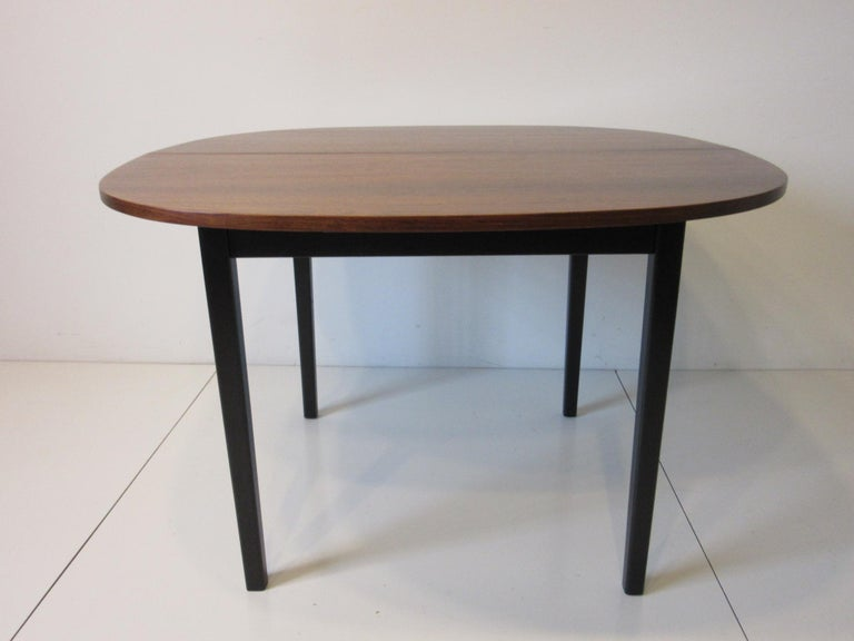 Mid-Century Modern Mid Century Rosewood Dining Table in the Style of Directional  For Sale