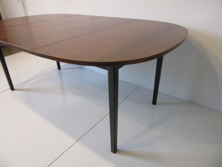 Mid Century Rosewood Dining Table in the Style of Directional  In Good Condition For Sale In Cincinnati, OH