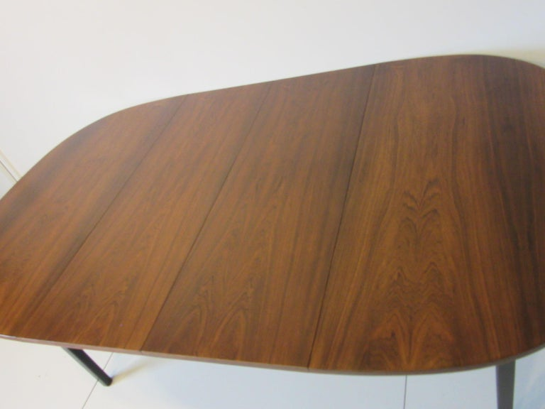 Mid Century Rosewood Dining Table in the Style of Directional  For Sale 1