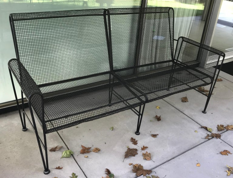 Very rare Russell Woodard sculptura long patio sofa, great lines, comes with light gray sunbrella cushion.