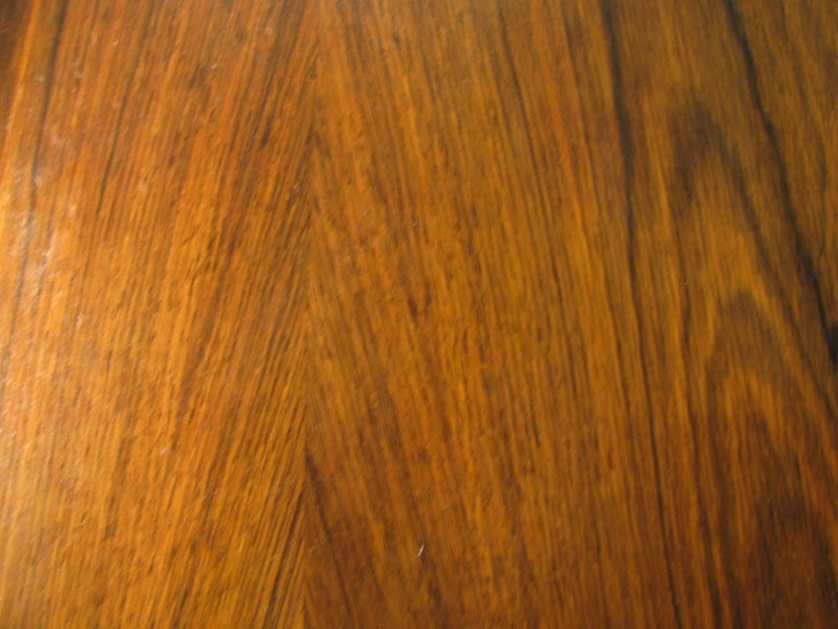 Midcentury Scandanavian Modern Rosewood Dining Room Table with Two Leaves In Good Condition For Sale In Port Jervis, NY