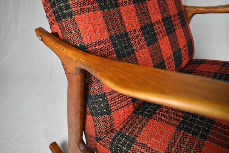 Midcentury Scandinavian Beechwood Rocking Chair, 1960s 3