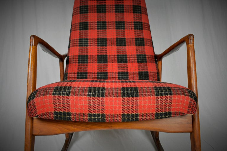 Midcentury Scandinavian Beechwood Rocking Chair, 1960s 5