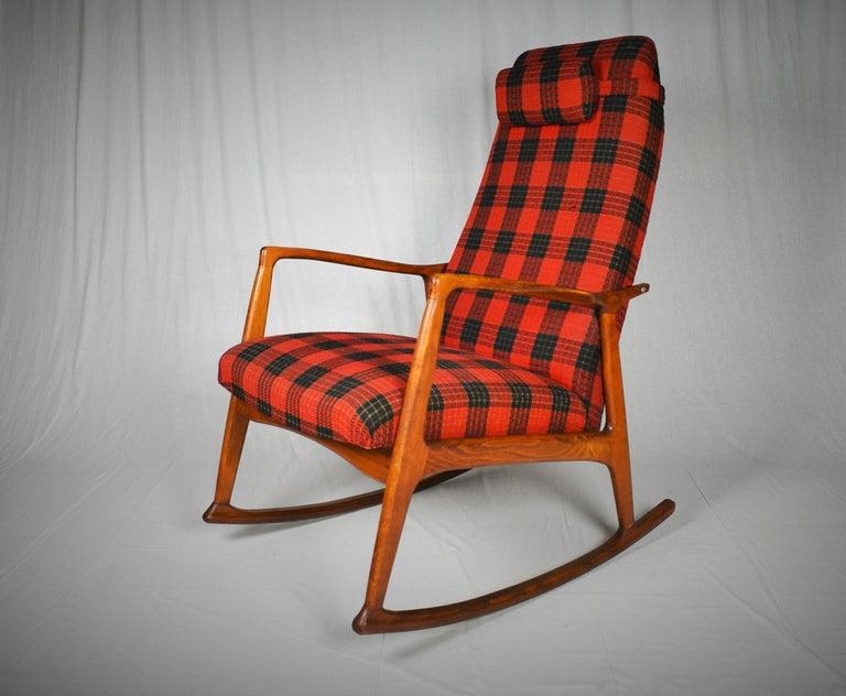 Midcentury Scandinavian Beechwood Rocking Chair, 1960s 7