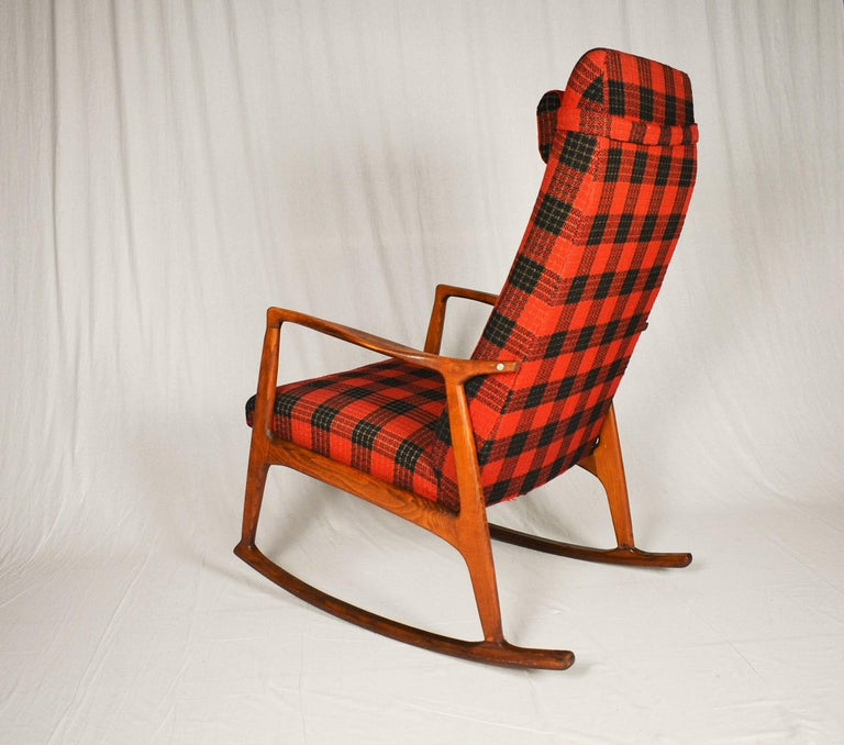 Midcentury Scandinavian Beechwood Rocking Chair, 1960s 8