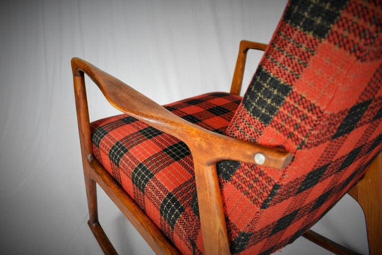 Midcentury Scandinavian Beechwood Rocking Chair, 1960s 9