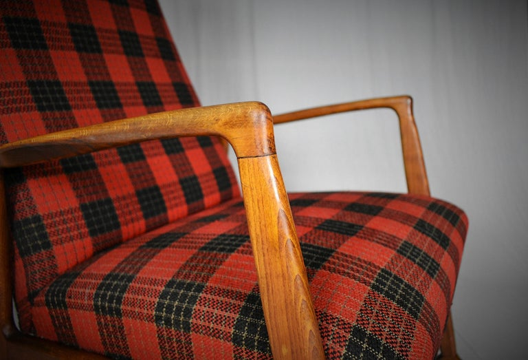 - Made in Denmark - Made of beechwood, fabric - good, original condition.