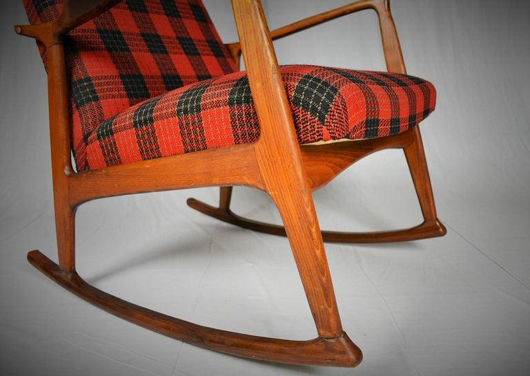 Midcentury Scandinavian Beechwood Rocking Chair, 1960s In Good Condition In Praha, CZ