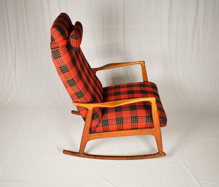 Midcentury Scandinavian Beechwood Rocking Chair, 1960s 1