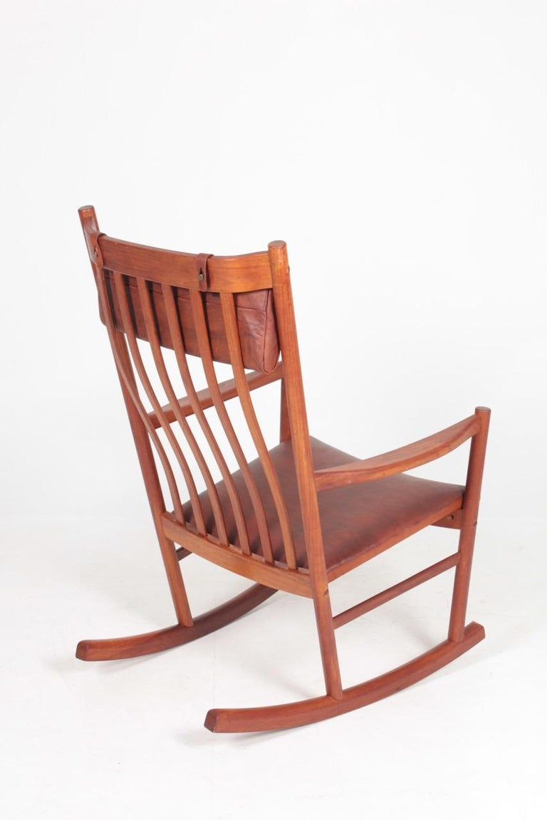 Midcentury Scandinavian Modern Rocking Chair in Teak & Patinated Leather, 1960s For Sale 5
