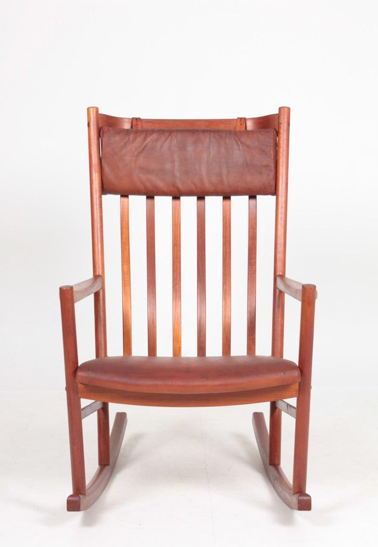 Midcentury Scandinavian Modern Rocking Chair in Teak & Patinated Leather, 1960s For Sale 1