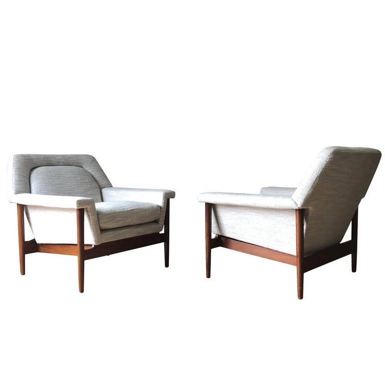 Midcentury Scandinavian Pair of Side Chairs