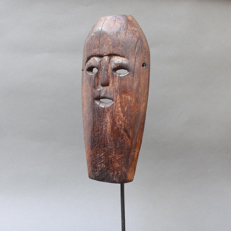 Midcentury Sculpted Wooden Traditional Mask from Timor Island, Indonesia For Sale 2