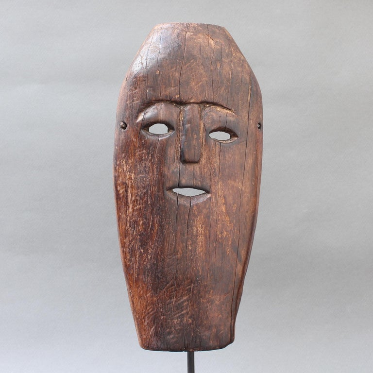 Midcentury Sculpted Wooden Traditional Mask from Timor Island, Indonesia For Sale 3