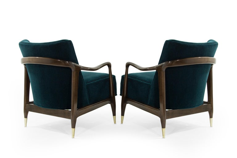 Midcentury Sculptural Gio Ponti Style Walnut Lounge Chairs, 1950s In Excellent Condition For Sale In Stamford, CT