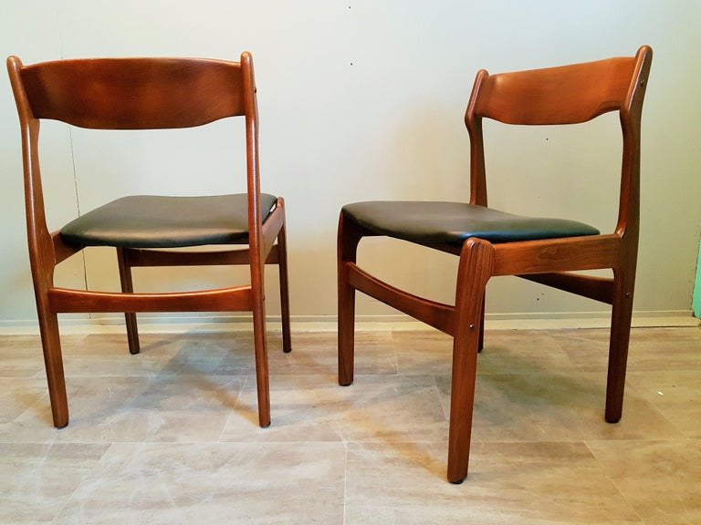 Midcentury Set of 8 Refinished Danish Erik Buch Dining Chairs in Teak, 1960 For Sale 4
