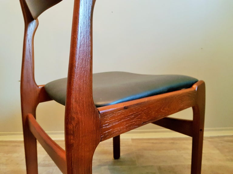 Midcentury Set of 8 Refinished Danish Erik Buch Dining Chairs in Teak, 1960 For Sale 7
