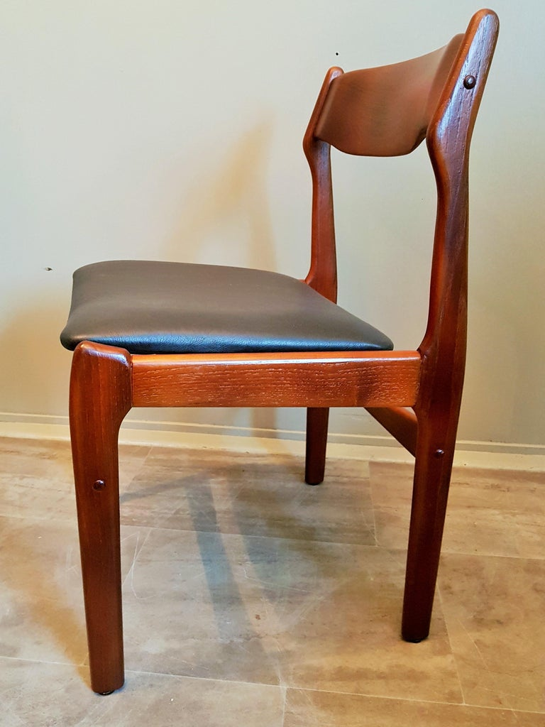 Midcentury Set of 8 Refinished Danish Erik Buch Dining Chairs in Teak, 1960 For Sale 11