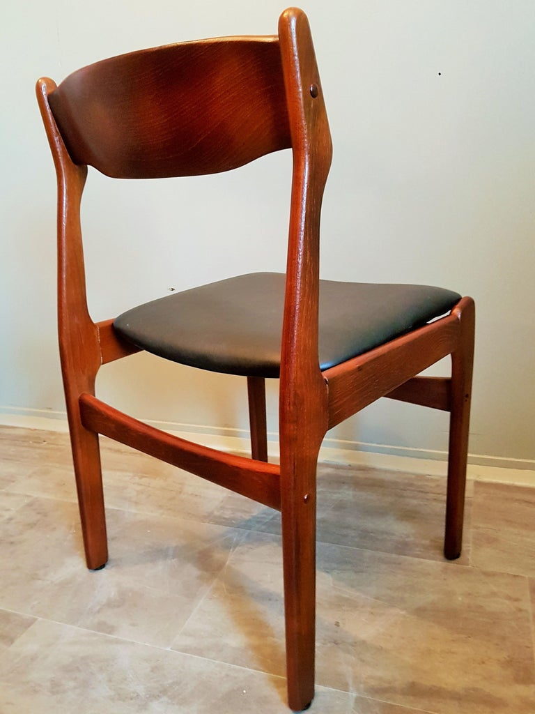 Midcentury Set of 8 Refinished Danish Erik Buch Dining Chairs in Teak, 1960 For Sale 13