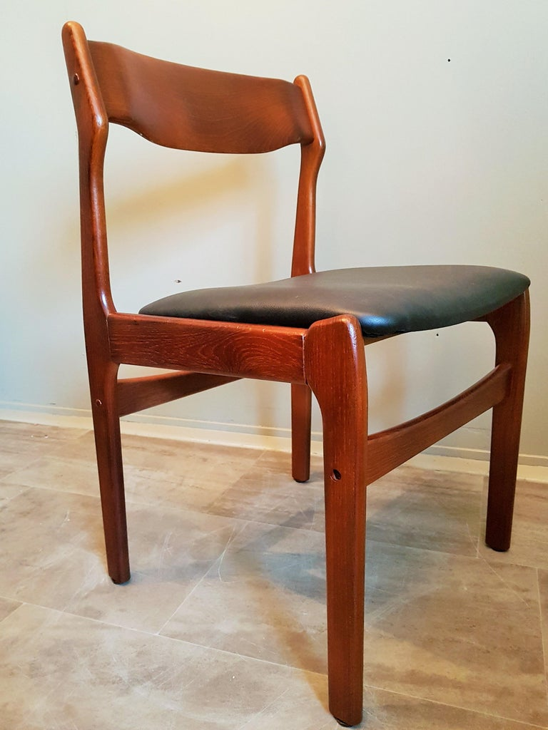 Midcentury Set of 8 Refinished Danish Erik Buch Dining Chairs in Teak, 1960 For Sale 14
