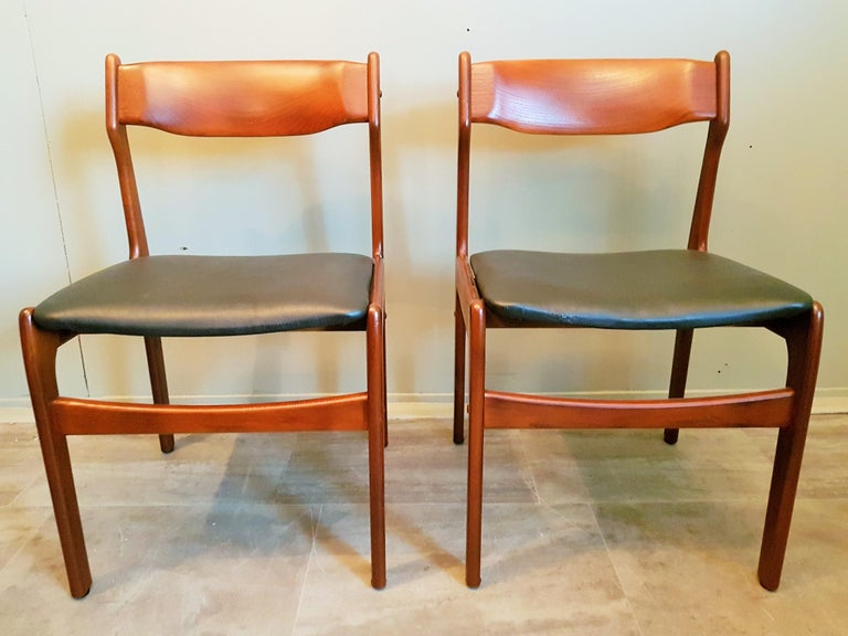 Midcentury Set of 8 Refinished Danish Erik Buch Dining Chairs in Teak, 1960 For Sale 1