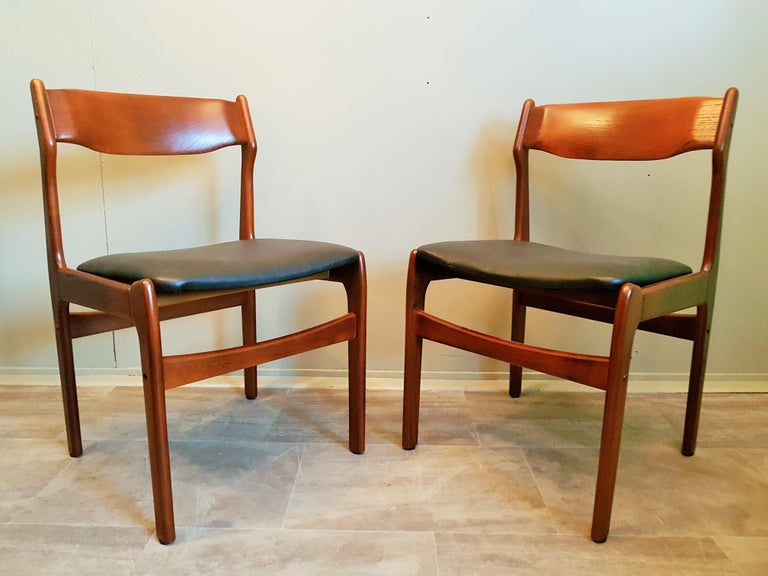 Midcentury Set of 8 Refinished Danish Erik Buch Dining Chairs in Teak, 1960 For Sale 2