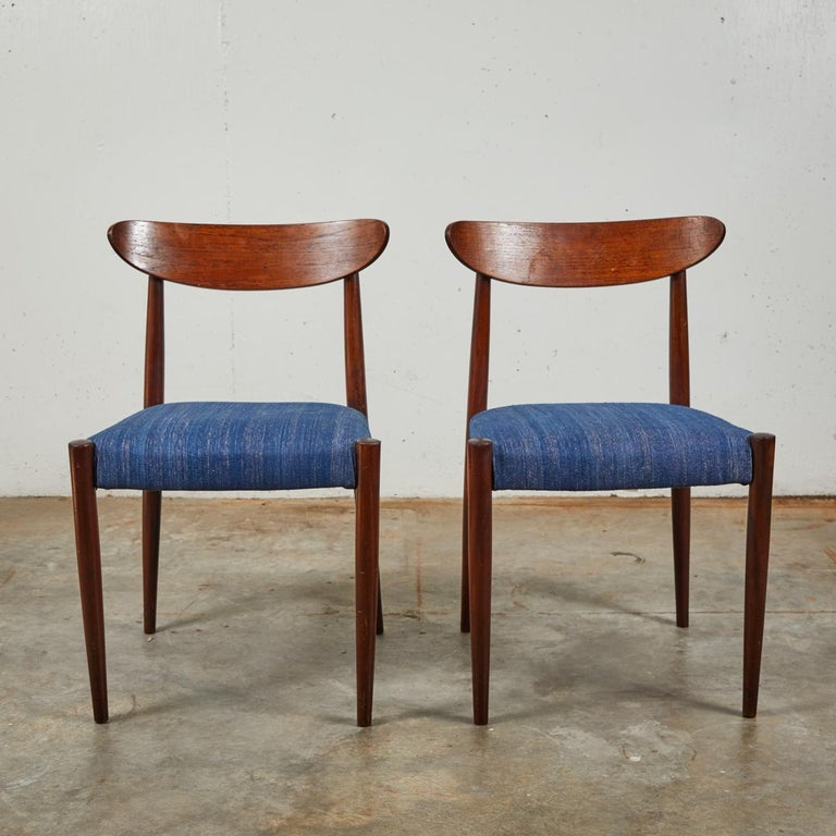 Wood Pair of Mid Century Blue Upholstered Dining Chairs with Tapered Legs For Sale
