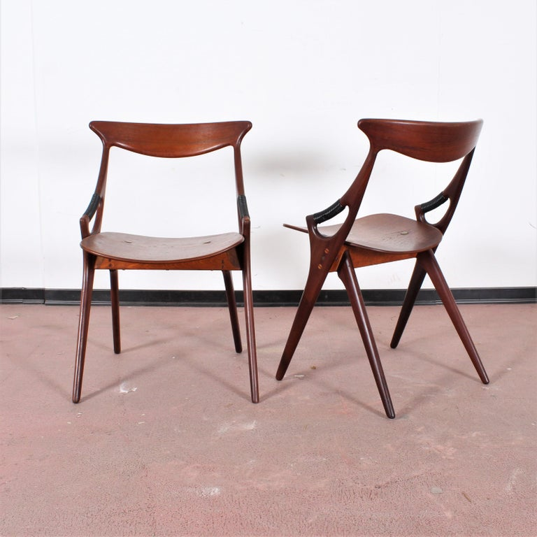 Midcentury, Set of Two Teak Danish Chair by Hovmand-Olsen for M.K., Denmark In Good Condition For Sale In Palermo, IT