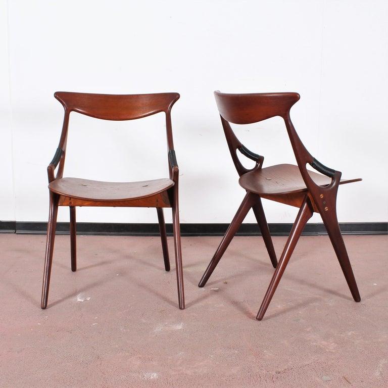 Midcentury, Set of Two Teak Danish Chair by Hovmand-Olsen for M.K., Denmark For Sale 1