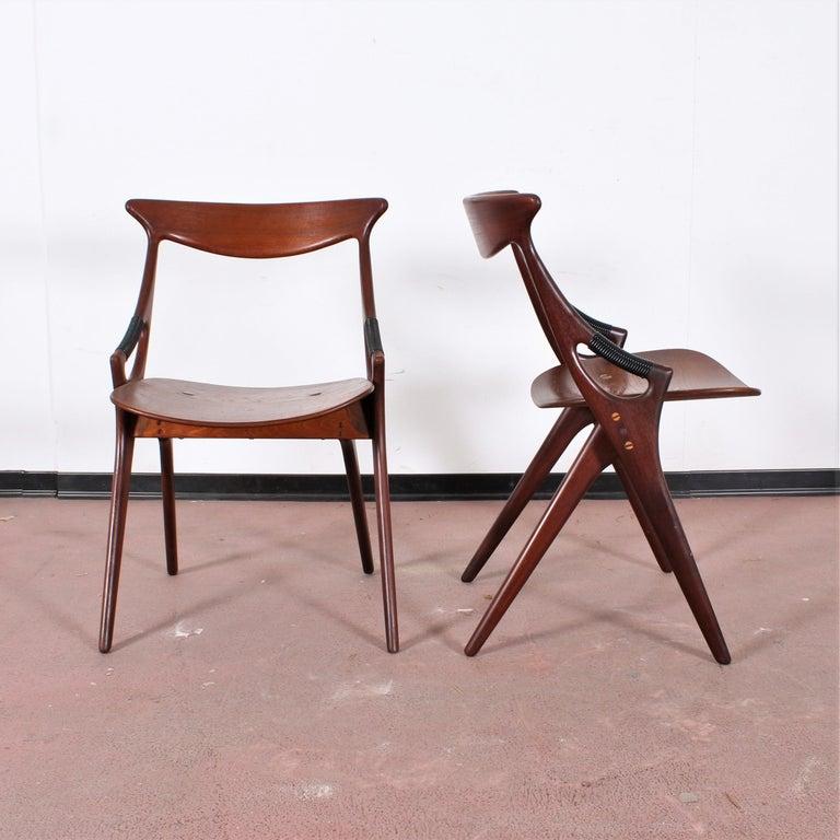 Midcentury, Set of Two Teak Danish Chair by Hovmand-Olsen for M.K., Denmark For Sale 2