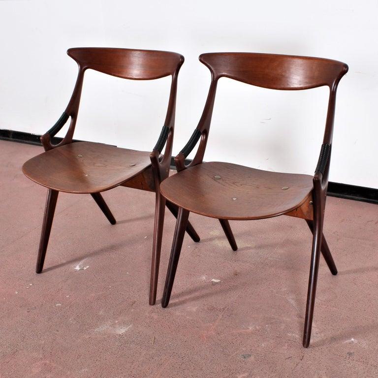 Midcentury, Set of Two Teak Danish Chair by Hovmand-Olsen for M.K., Denmark For Sale 3