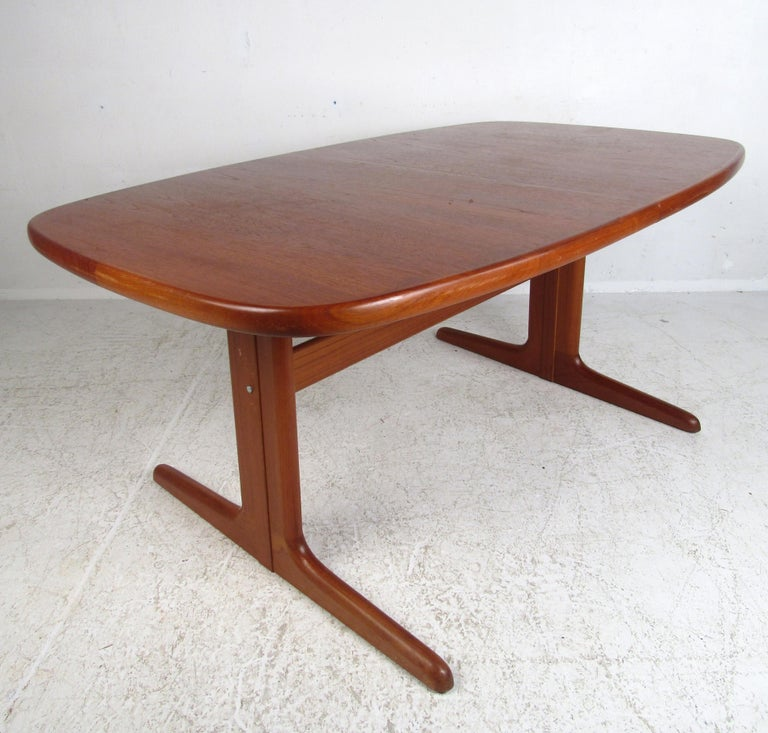 Midcentury Skovby Danish Teak Dining Table In Good Condition For Sale In Brooklyn, NY