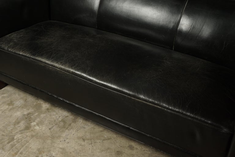 Vintage Leather Sofa Manufactured by Fritz Hansen, Denmark, circa 1960 In Good Condition For Sale In Nashville, TN