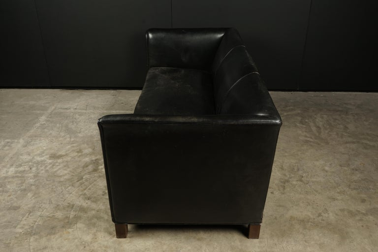 Mid-20th Century Vintage Leather Sofa Manufactured by Fritz Hansen, Denmark, circa 1960 For Sale