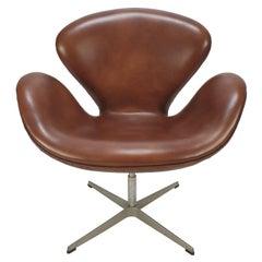 Mid Century Swan Chair by Arne Jacobsen and Fritz Hansen, 1980
