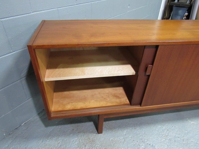 Midcentury Swedish Long Sideboard Credenza by Nils Jonsson for Hugo Troeds For Sale 9