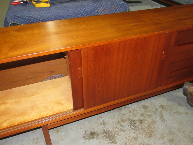 Midcentury Swedish Long Sideboard Credenza by Nils Jonsson for Hugo Troeds For Sale 13