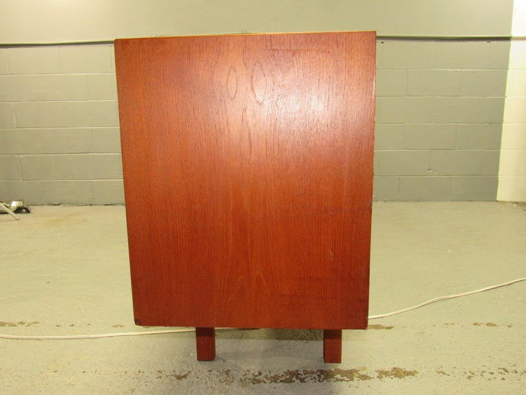 Midcentury Swedish Long Sideboard Credenza by Nils Jonsson for Hugo Troeds For Sale 1