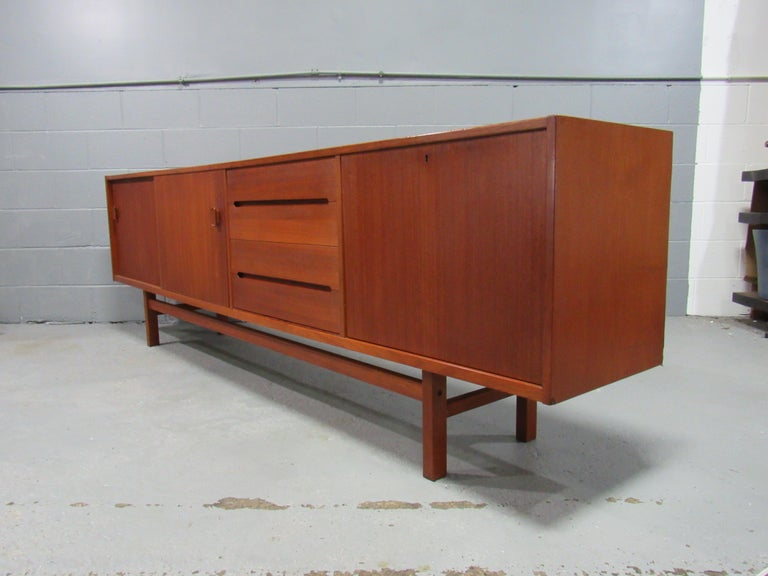 Midcentury Swedish Long Sideboard Credenza by Nils Jonsson for Hugo Troeds For Sale 3