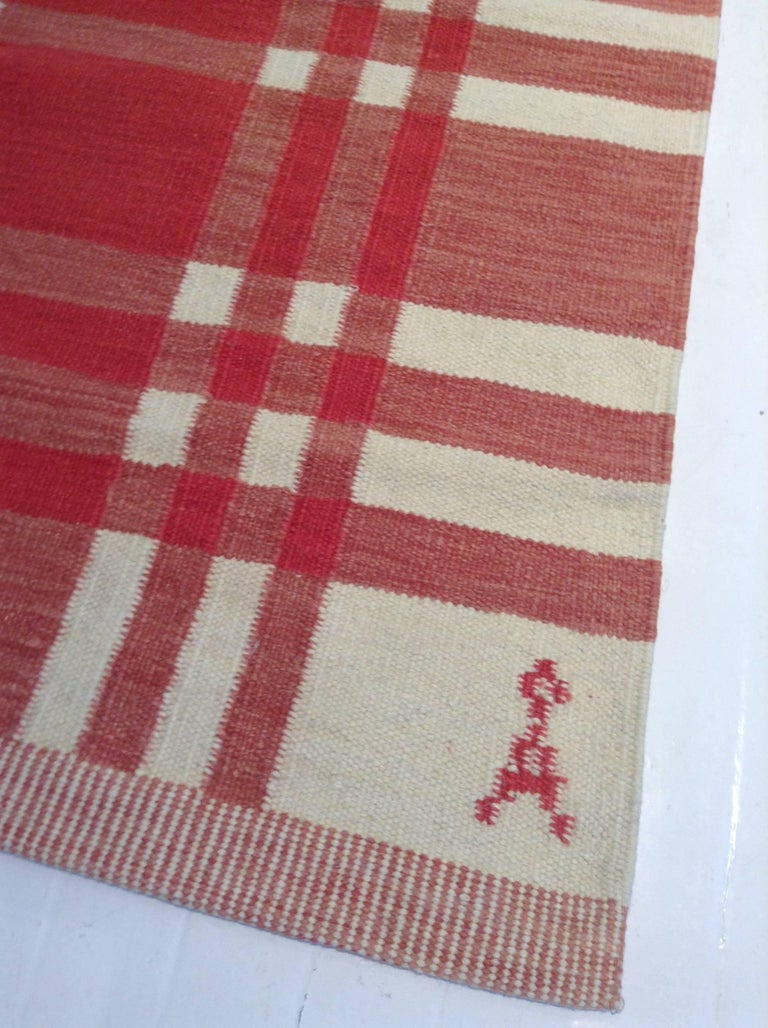 Hand-Woven Midcentury Swedish Red and Ivory Handmade Wool Rug For Sale
