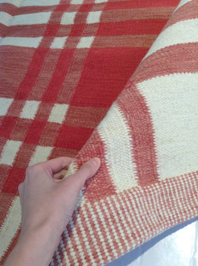 Midcentury Swedish Red and Ivory Handmade Wool Rug In Good Condition For Sale In New York, NY
